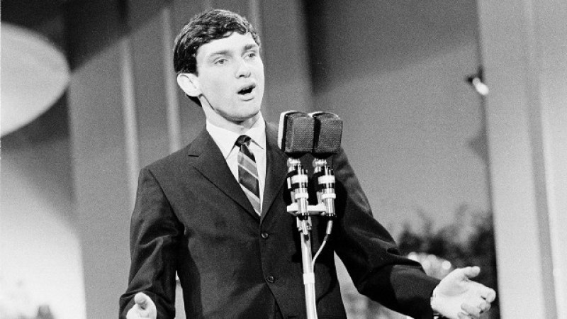 Gene Pitney – Somethings Got A Hold Of My Heart