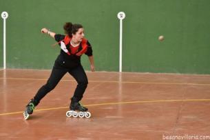 Exhibición de pelota con patines