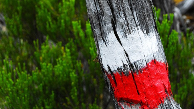 Balisage GR France, blanc sur rouge