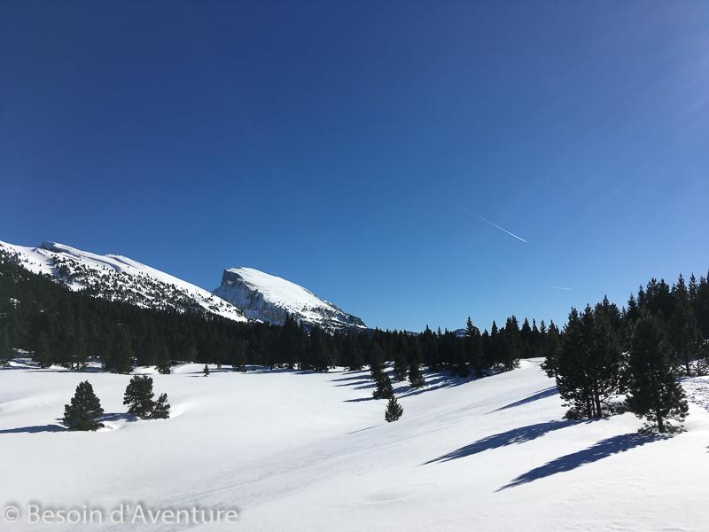 Traversée-haut-plateau-du-Vercors-a-ski-de-randonnée-nordique-neige-fraiche