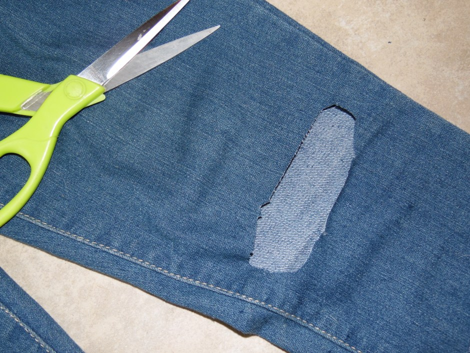 how to distress your jeans