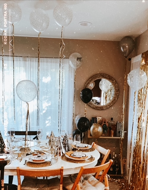 how to decorate at home for New Year's Eve