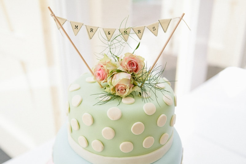 A Vintage English Country Garden Wedding  Cake
