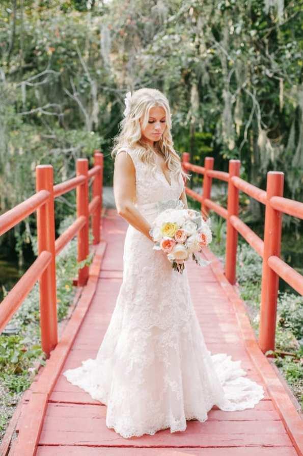 A Carefree & Romantic Rustic Wedding (26)