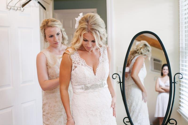 A Carefree & Romantic Rustic Wedding (5)