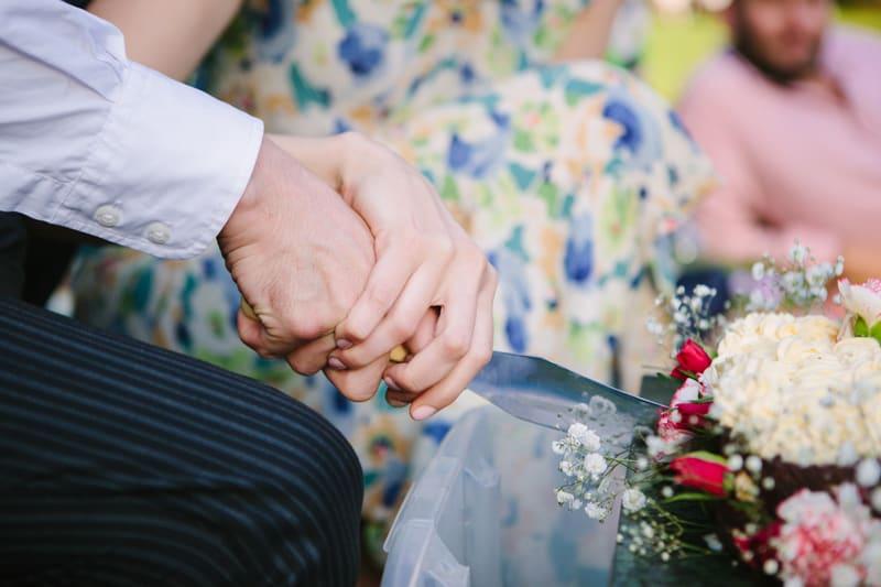 Stylish, Intimate Family Picnic Wedding (22)