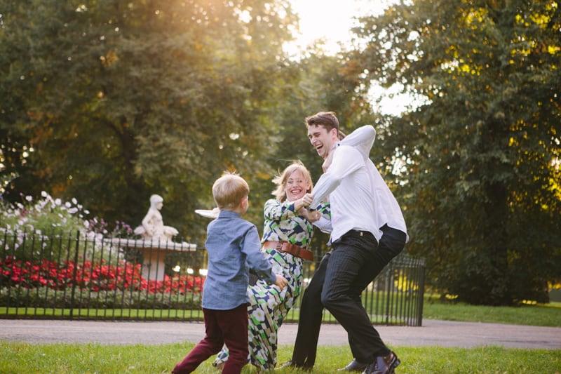 Stylish, Intimate Family Picnic Wedding (24)