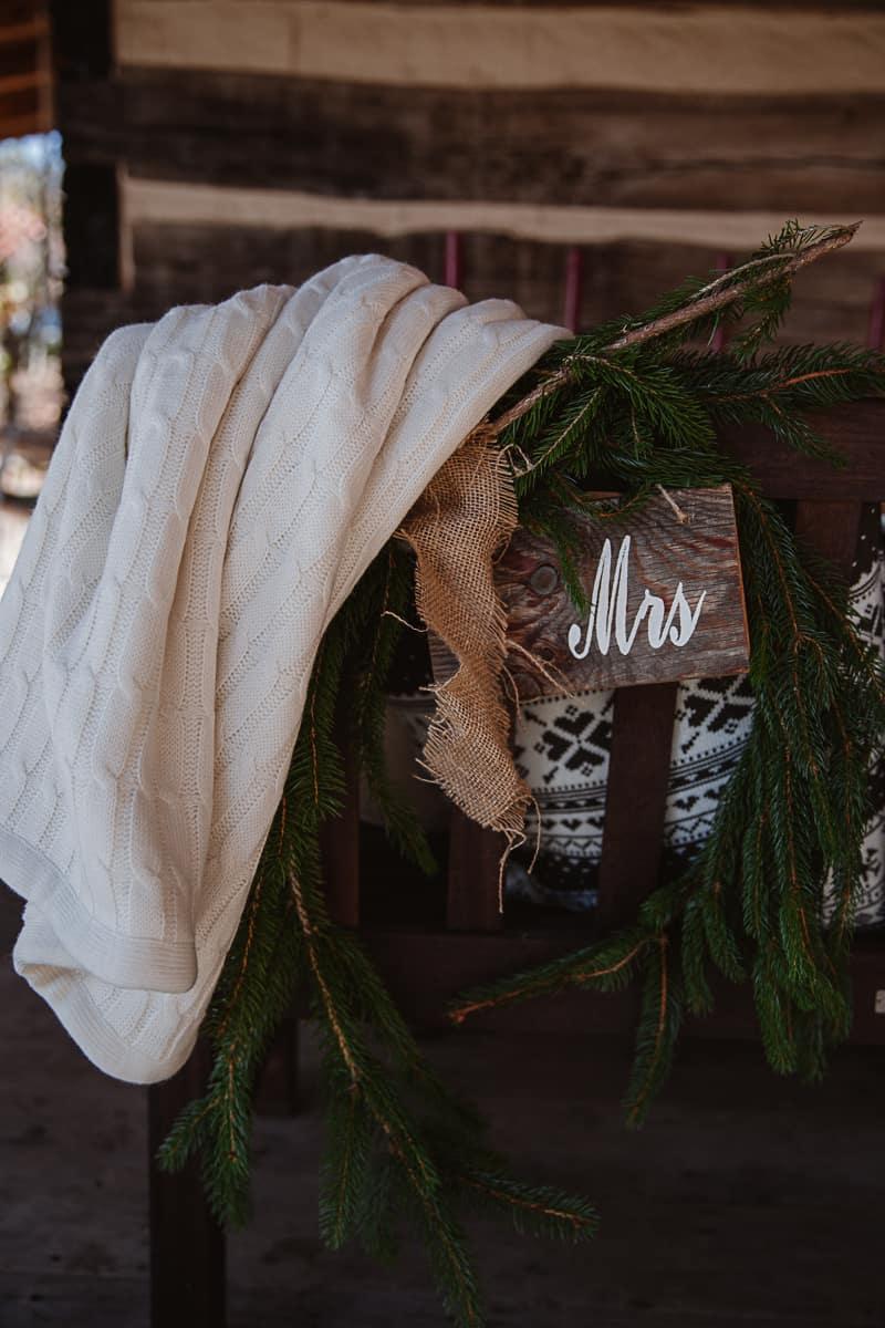 Christmas Bridal Brunch Log Cabin Hot Chocolate Festive Shoot-10