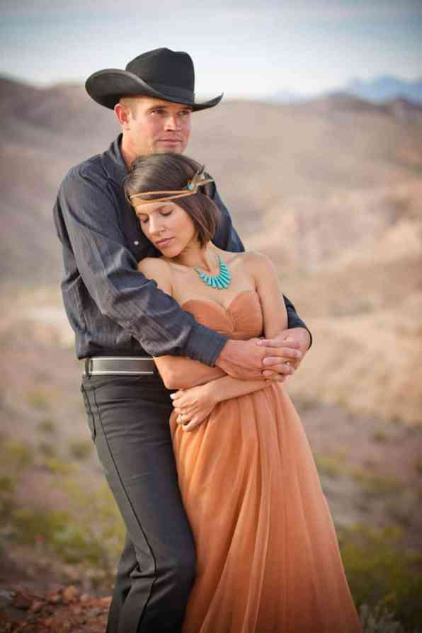 COUNTRY & WESTERN COWBOY & INDIAN ELOPEMENT (22)