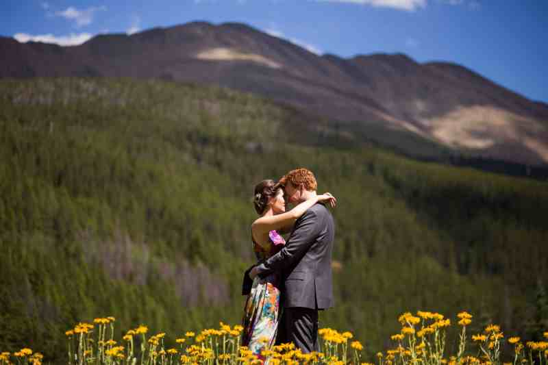 A COLOURFUL FLORAL GOWN FOR A WEDDING IN THE ROCKIES (7)