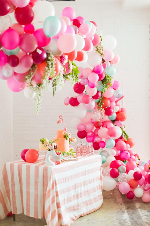 Balloon-Flower-Arch-DIY