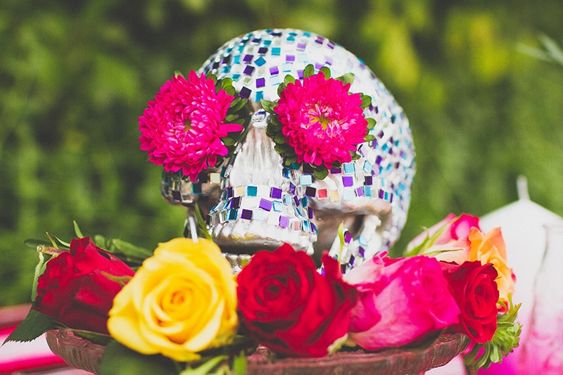 1 DIY Mosaic Skull Mexican Wedding Inspiration Tutorial Dia de los muertos