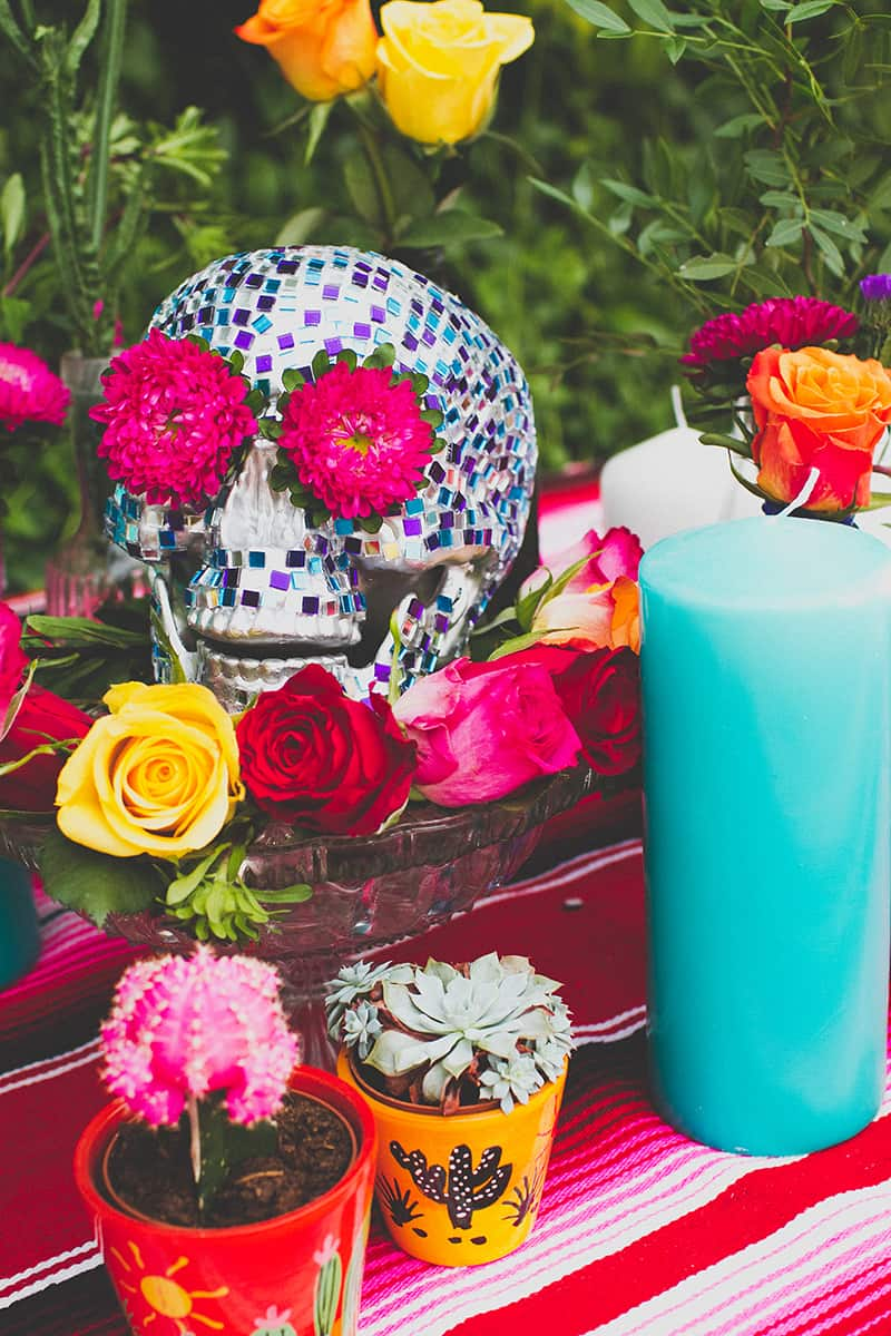 20 DIY Mosaic Skull Mexican Wedding Inspiration Tutorial Dia de los muertos