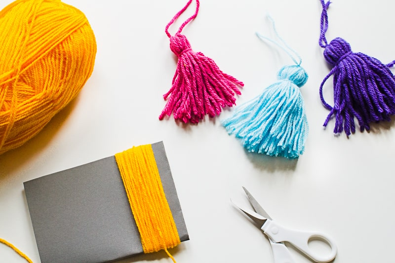 How to make tassels with wool