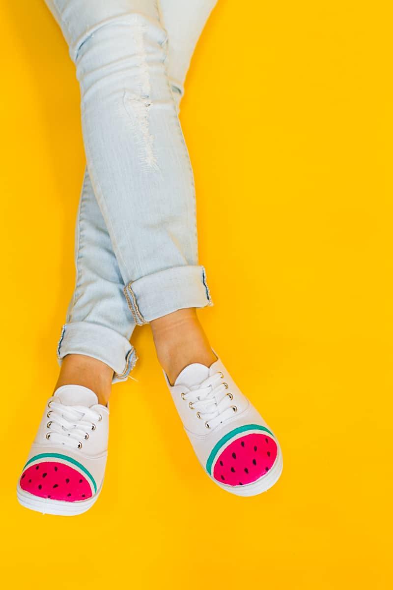 DIY Watermelon Shoes Fabric Paint Fruit themed sneakers pumps_-8