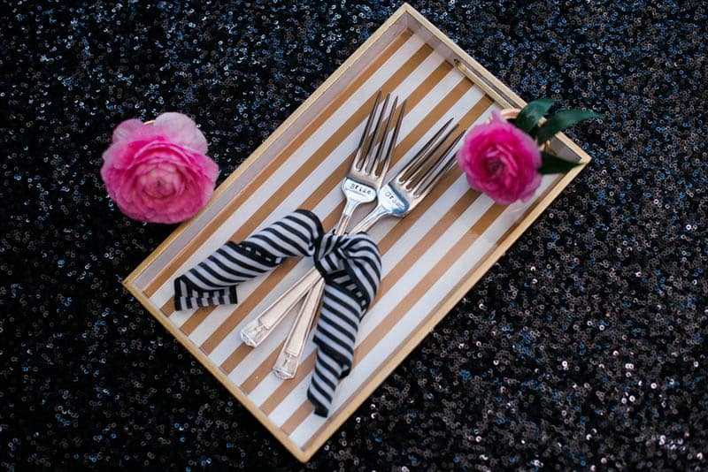 KATE SPADE INSPIRED WEDDING WITH A BLACK AND WHITE STIPE BRIDAL GOWN (3)