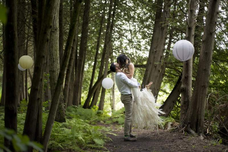 THIS FREE SPIRITED TRAVEL BLOGGER'S BOHEMIAN FOREST WEDDING IS A DREAM COME TRUE! (31)