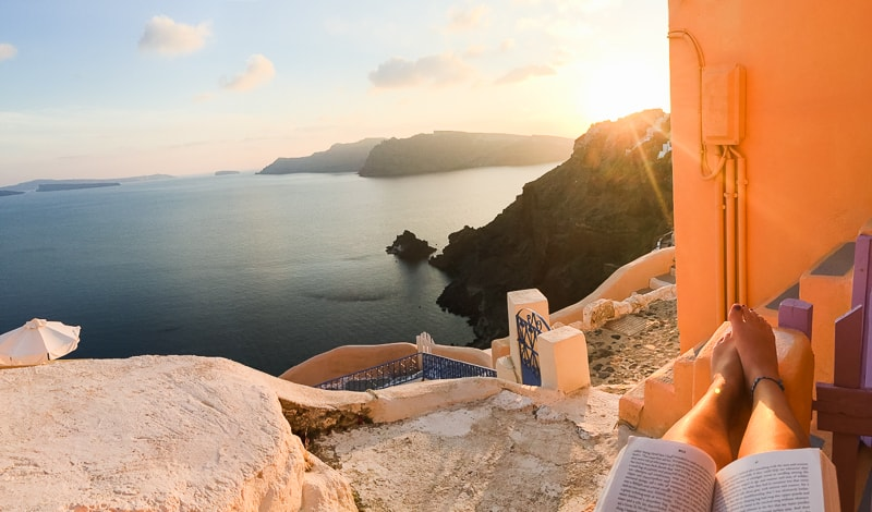 Santorini Oia Travel Guide Reccomendations Honeymoon Colourful Place Greece_-111