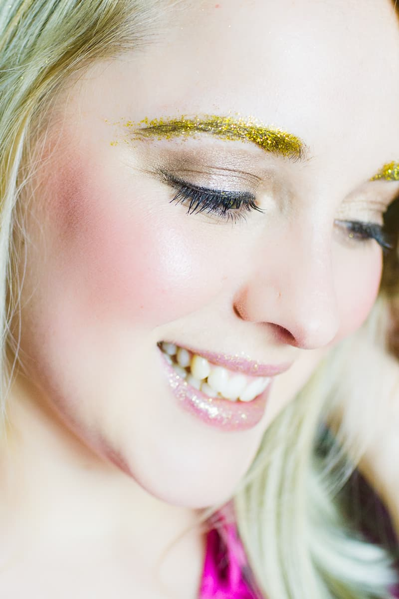 Christmas makeup looks glitter gold ways to wear hairline eyeshadow lipstick nails fun golden sparkle-3