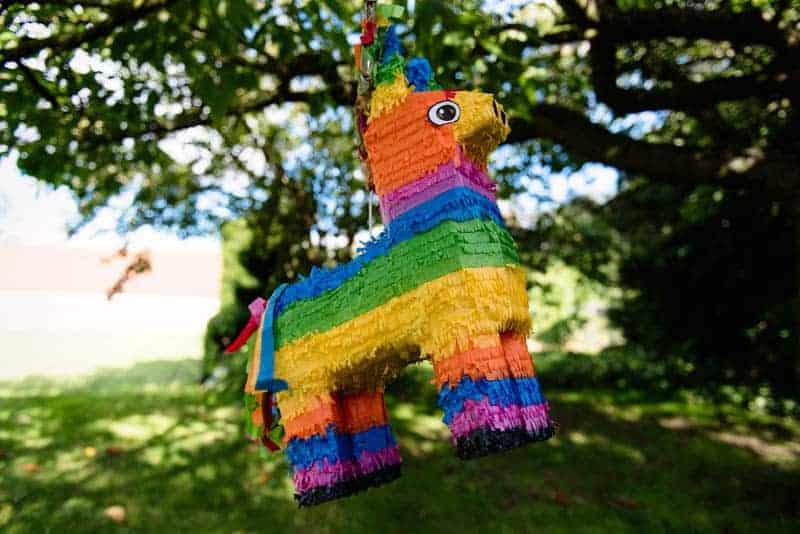 MEXICAN INSPIRED WEDDING WITH DIY PAPEL PICADO (6)