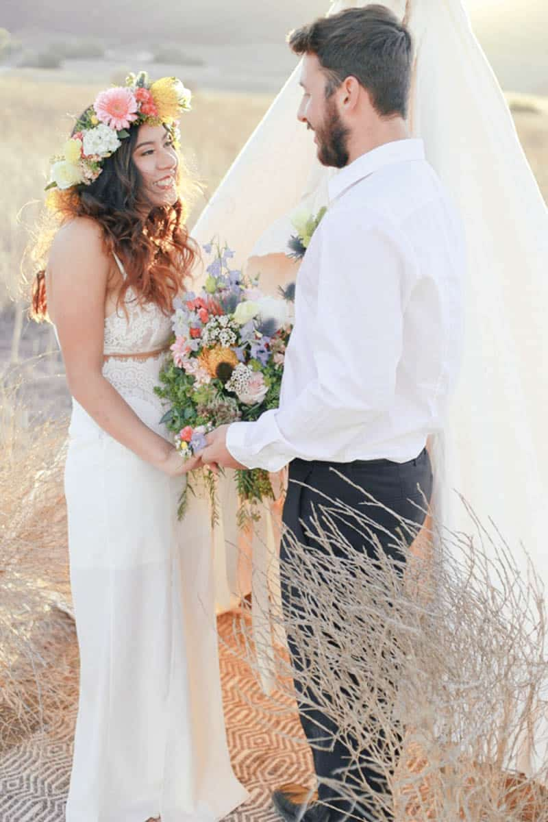 WHY ELOPING IS BETTER THAN A WEDDING - STYLED INTIMATE BOHEMIAN ELOPEMENT (15)