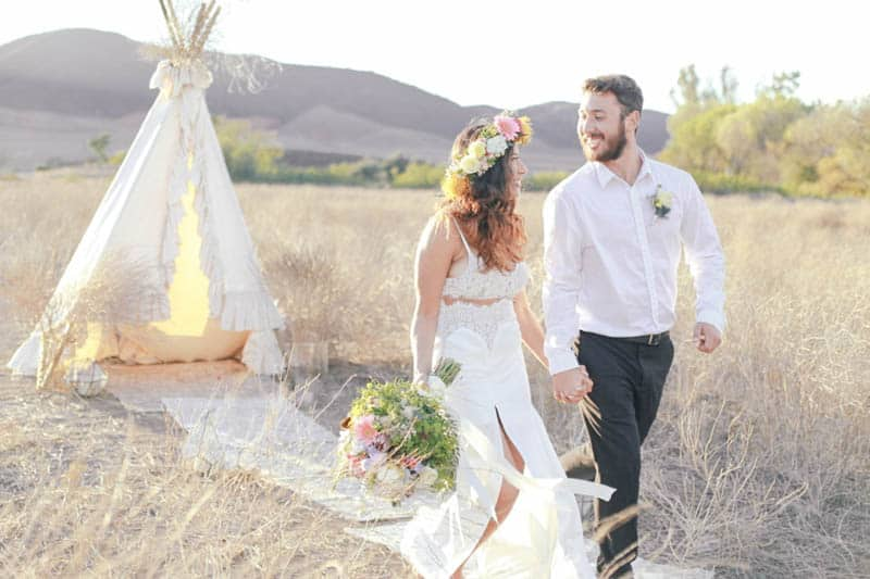 WHY ELOPING IS BETTER THAN A WEDDING - STYLED INTIMATE BOHEMIAN ELOPEMENT (18)