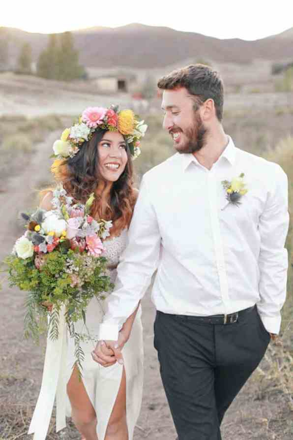WHY ELOPING IS BETTER THAN A WEDDING - STYLED INTIMATE BOHEMIAN ELOPEMENT (22)