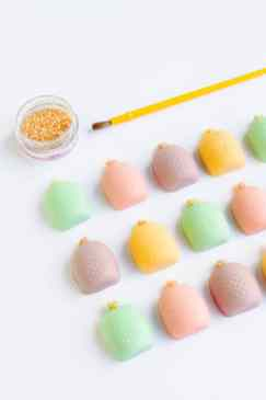 DIY-mothers-day-gift-favours-chocolate-pastel-pineapples-spring-themed-easter-make-your-own