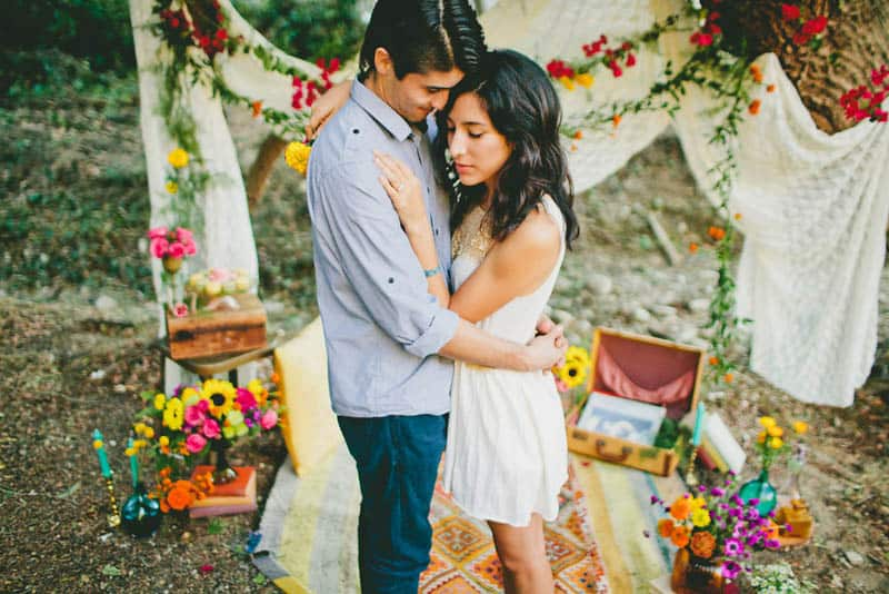 How to make your engagement shoot more personal - a colourful whimsical outdoor picnic engagement on the beach (15)