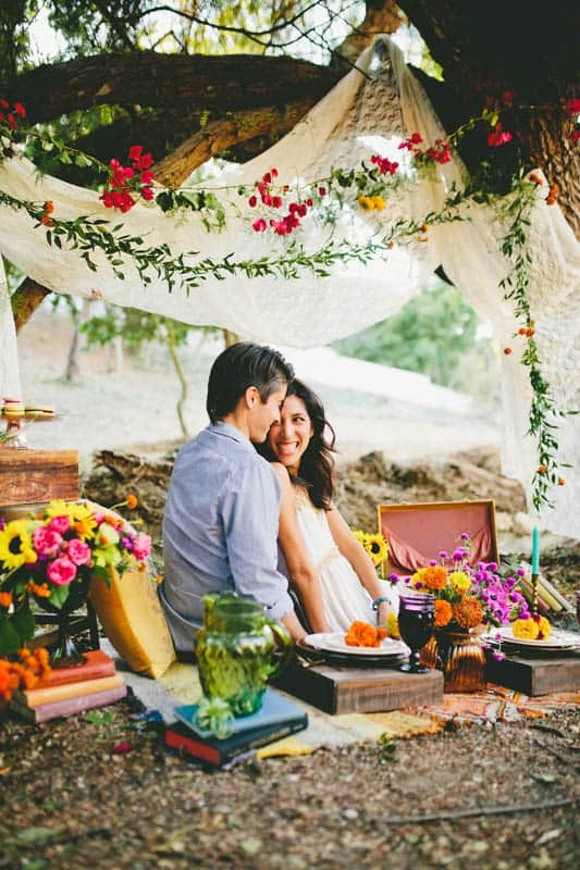 How to make your engagement shoot more personal - a colourful whimsical outdoor picnic engagement on the beach (8)