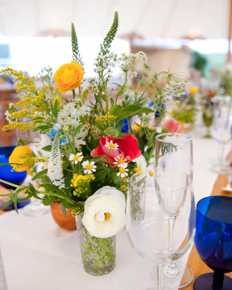 INTIMATE SWEDISH INSPIRED BEACH WEDDING AT A NON TRADITIONAL WEDDING VENUE RS (5)
