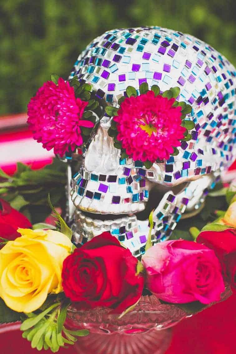 12-DIY-Mosaic-Skull-Mexican-Wedding-Inspiration-Tutorial-Dia-de-los-muertos