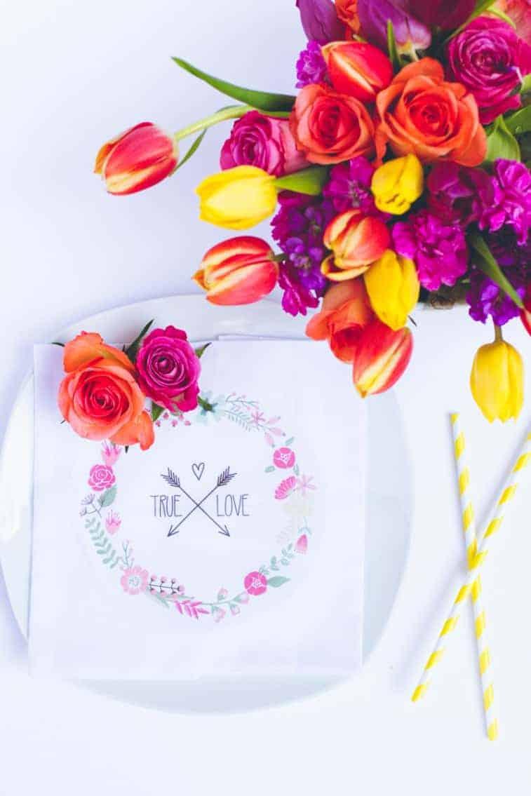 DIY-True-Love-Flower-Napkins-Vector-Wreath-Wedding-Tutorial_-3