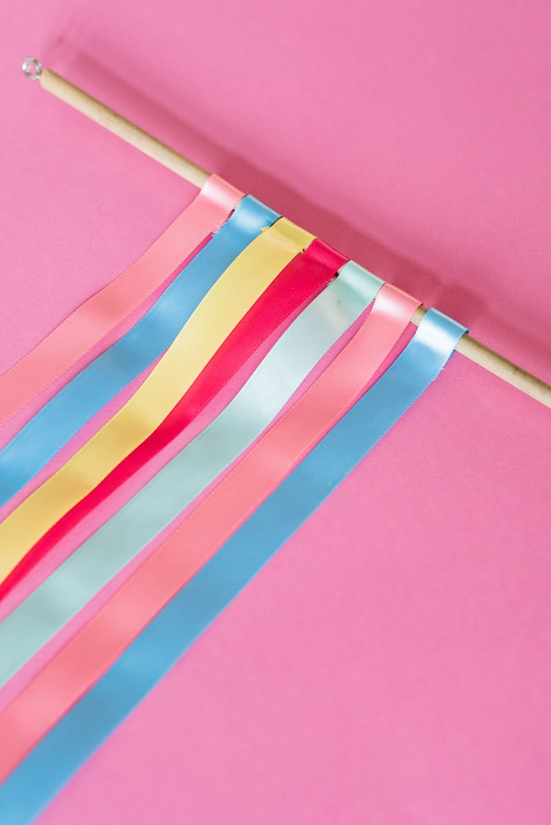 DIY colourful ribbon table plan unique alternative escort cards-15