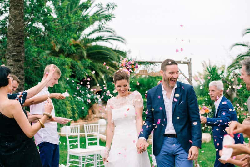 HOW TO PLAN YOUR WEDDING WHEN YOU LIVE LONG DISTANCE. A CITRUS THEMED WEDDING IN THE IBIZIAN COUNTRYSIDE (25)