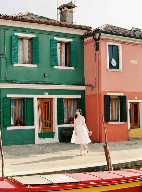 COLOURFUL WEDDING INSPIRATION IN BURANO, ITALY (3)