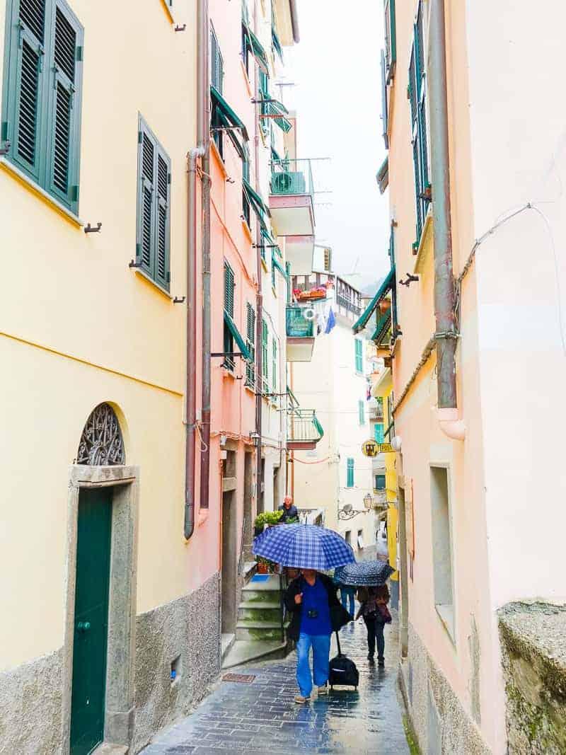 Cinque Terre Travel Guide Train Hiking Italy Information Advice Reccomendation Colourful_-17