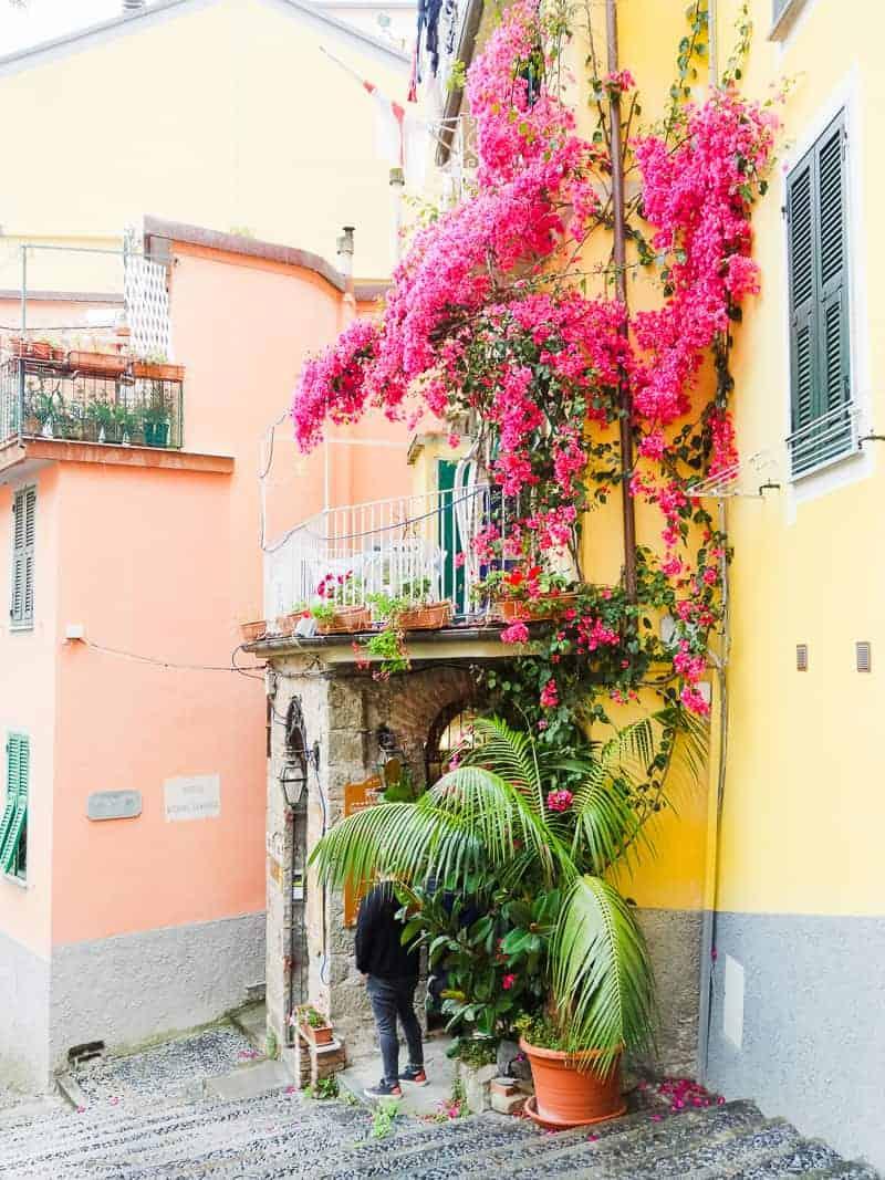 Cinque Terre Travel Guide Train Hiking Italy Information Advice Reccomendation Colourful_-19