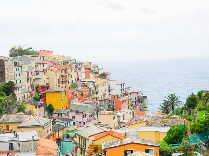 Cinque Terre Travel Guide Train Hiking Italy Information Advice Reccomendation Colourful_-68