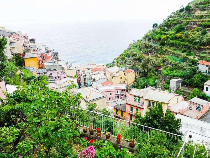 Cinque Terre Travel Guide Train Hiking Italy Information Advice Reccomendation Colourful_-74