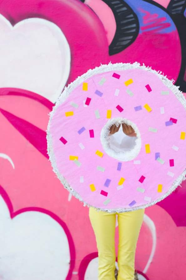 DIY-Donut-Pinata-600x900