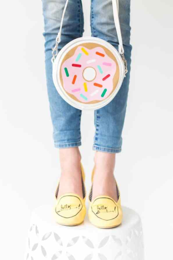 DIY-Donut-Purse-600x900