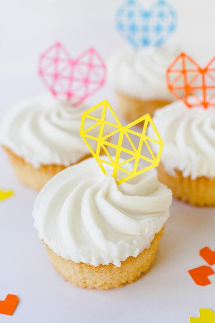 Geometric-Heart-Cake-Toppers-DIY-Fun-Colourful-Cricut-Cupcakes-Valentines-4