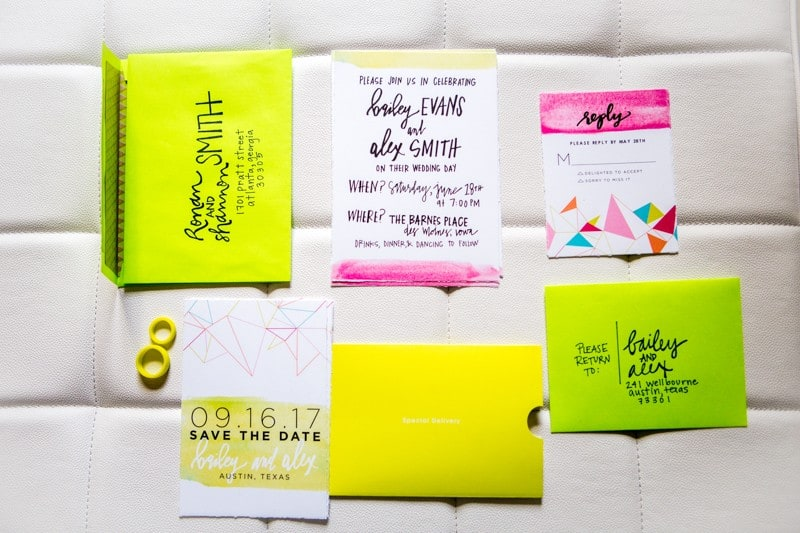THE CLASSY WAY TO DO NEON AT YOUR WEDDING (5)