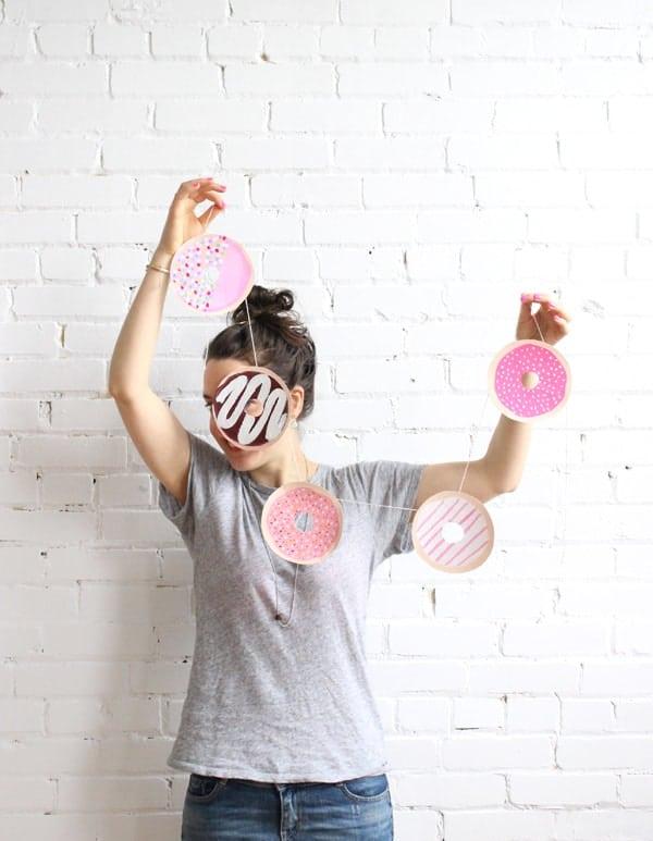 donut-garland-camille-babasouk