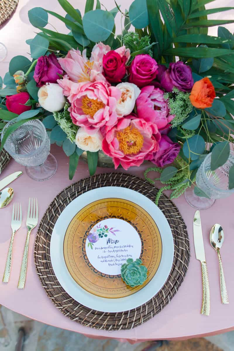 BOLD & VIBRANT HOT PINK CORAL BOHEMIAN STYLING WEDDING IDEAS (5)
