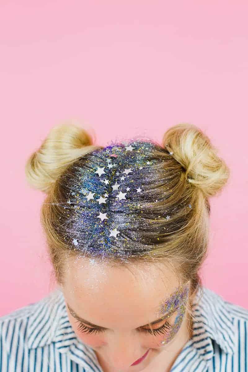 DIY Glitter Station Wedding Make Your own sparkle station glitter face makeup festival_-6