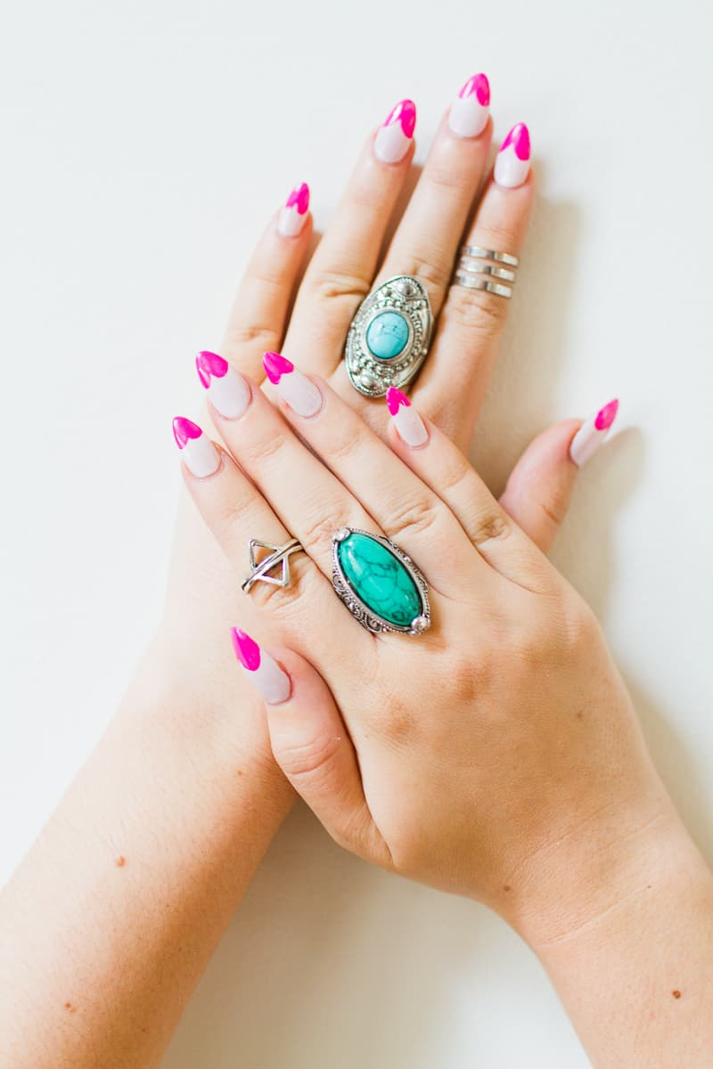 DIY Heart Manicure Pink Nail Design Cute valentines love flirty fun heart shaped nail art-5