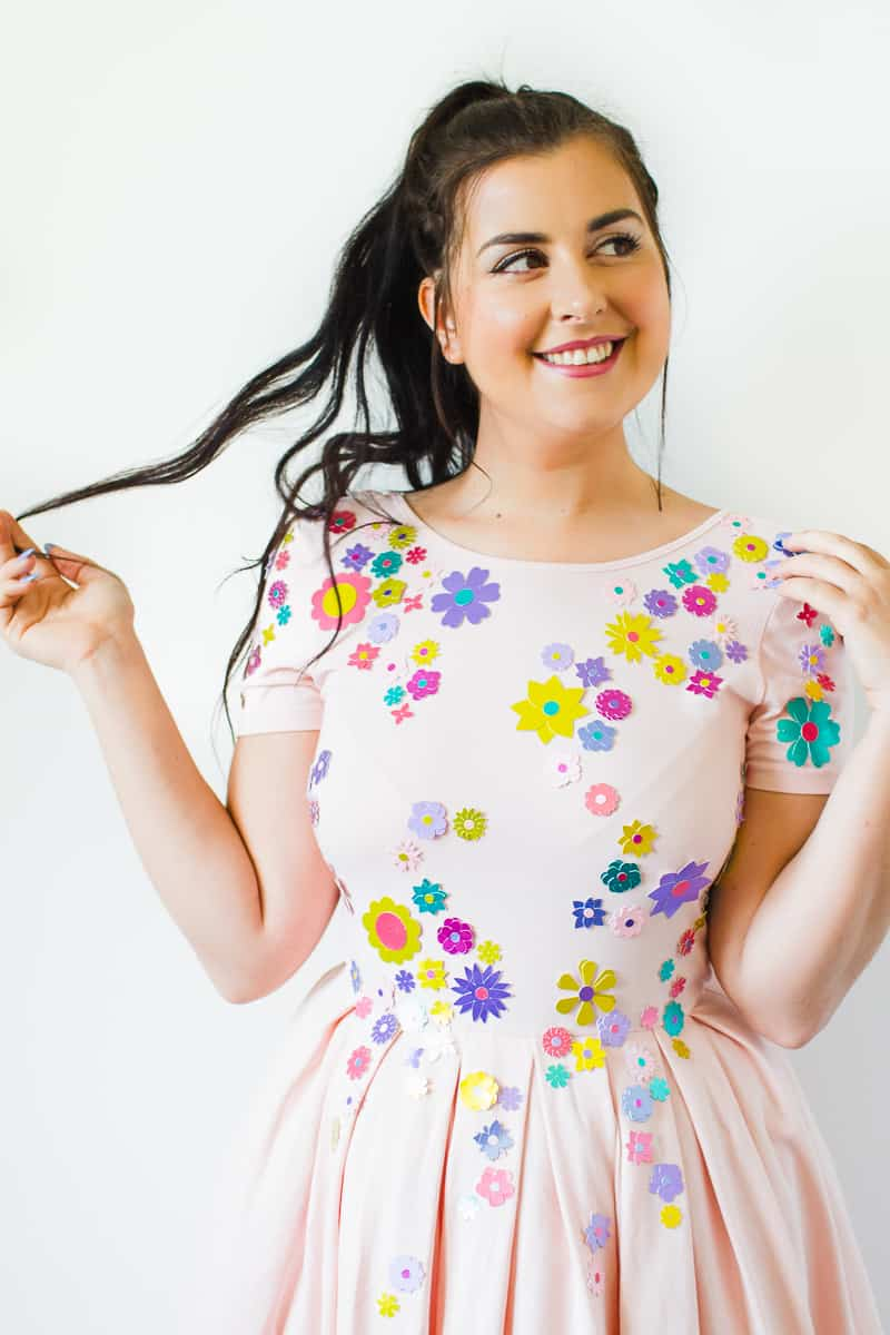 diy-embellished-dress-make-your-own-wedding-bridesmaid-dress-cricut-brooch-jewels-floral-flower-summer-fashioin-tutorial-1-5