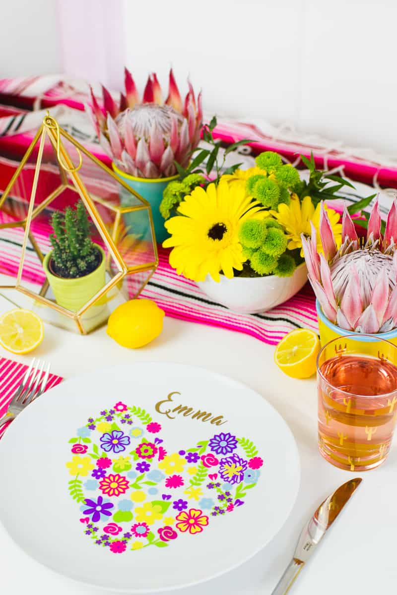 diy-floral-flower-place-setting-plate-name-place-summer-table-decorations-wedding-2